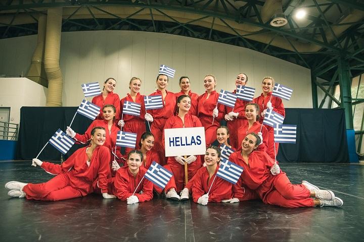Παγκόσμιες διακρίσεις για το «ελληνικό» Cheerleading (pics)   F2. TEAM PHOTO SENIOR HIP HOP AMAZONS GREECE