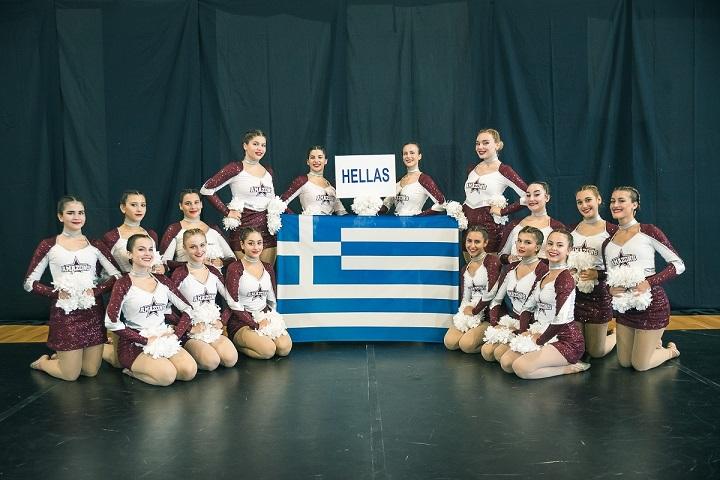 Παγκόσμιες διακρίσεις για το «ελληνικό» Cheerleading (pics)   F7. TEAM PHOTO SENIOR POM AMAZONS GREECE