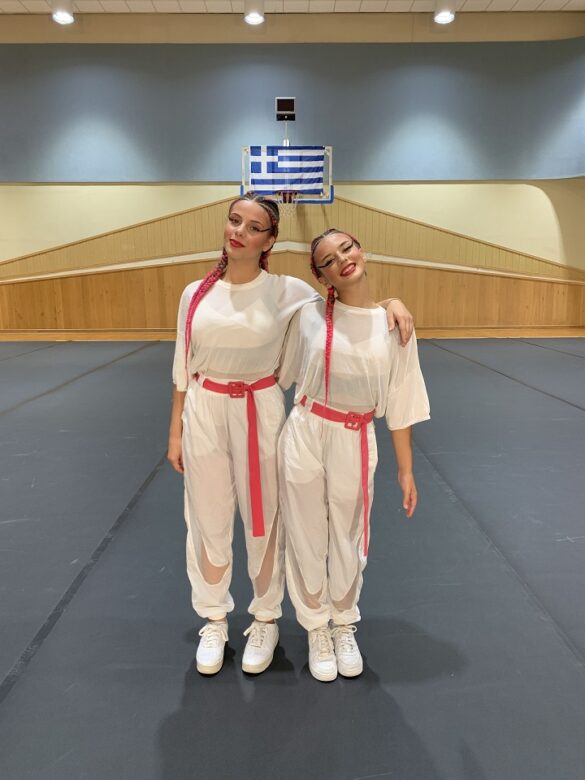 Παγκόσμιες διακρίσεις για το «ελληνικό» Cheerleading (pics)   F8. Διδασκάλου Αννα Τσιουπρά Ελένη 2